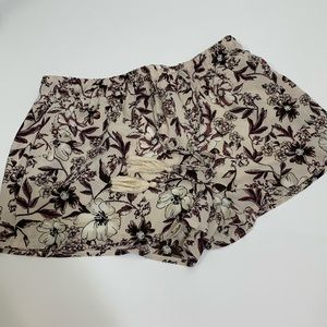 Adorable Full Tilt floral print shorts